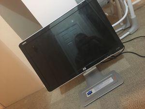 HP w2207h swivel desktop for Sale in Myrtle Beach, SC