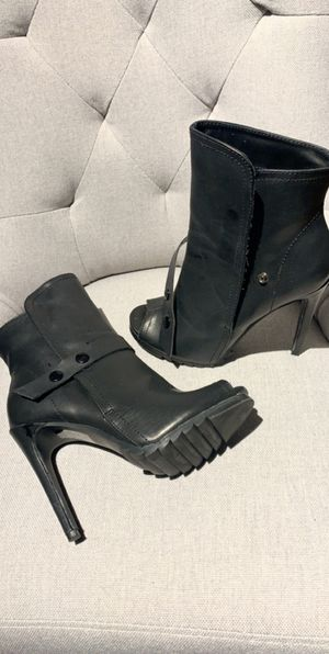 Black Bootie size 6 women's for Sale in Denver, CO