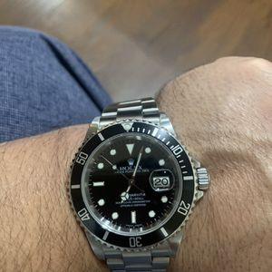 Rolex Submariner Date Stainless Steel for Sale in Los Angeles, CA