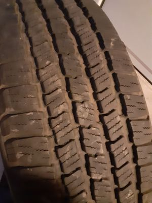 Set of Michelins 235-75-15 for Sale in Whittier, CA
