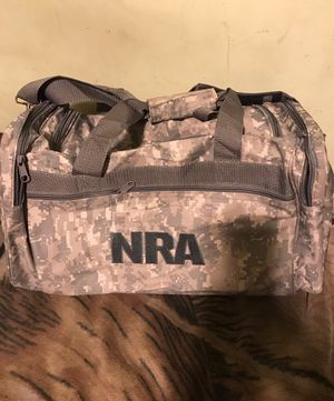 !! Carry / Duffel Bag for Sale in Los Angeles, CA