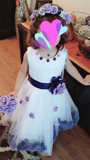 Wedding dress new 3-4 years & flowers head& flowers hand for Sale in Houston, TX