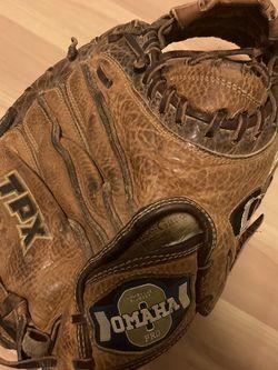 Louisville Slugger TPX Omaha Pro Series Catchers Mitt Baseball Glove for Sale in Lynnwood,  WA
