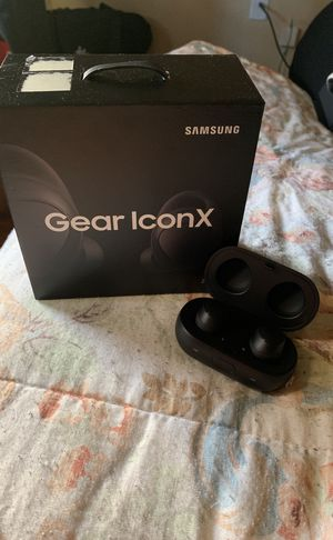 Samsung Gears wireless headphones ... brand new. Works just fine no issues comes with charger and case for Sale in DeSoto, TX