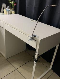 WHITE IKEA DESK for Sale in Pico Rivera,  CA