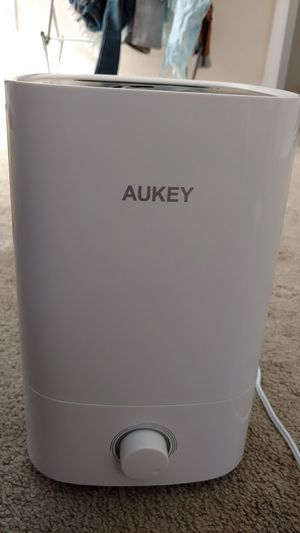 Aukey cool mist humidifier for Sale in Richmond, VA