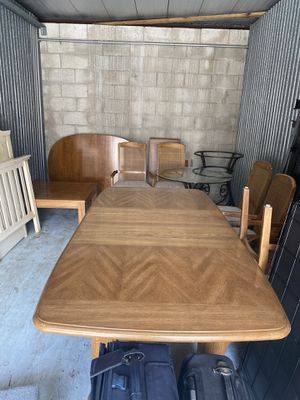 Solid Wood Dining Table with Six Chairs 🪑 in Excellent Conditions Asking $320. Obo for Sale in Boca Raton, FL