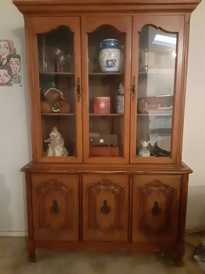 Antique China Cabinet for Sale in Santa Clarita, CA