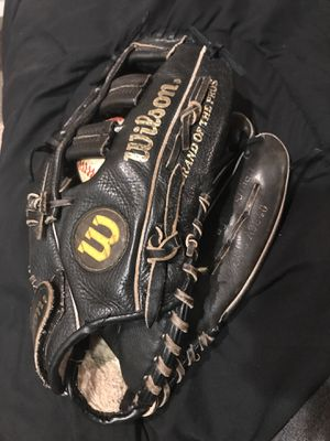 Wilson baseball glove - great used baseball mitt - outfielder mitt for Sale in Baltimore, MD