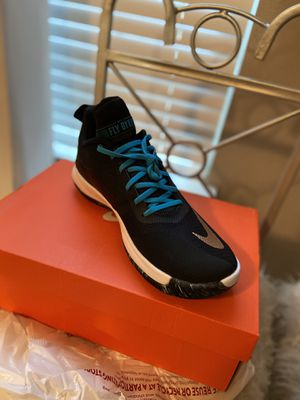 Nike Fly by low II Basketball Shoes NEW for Sale in Kissimmee, FL