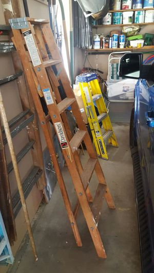 6ft Wooden Step ladder for Sale in Northumberland, PA