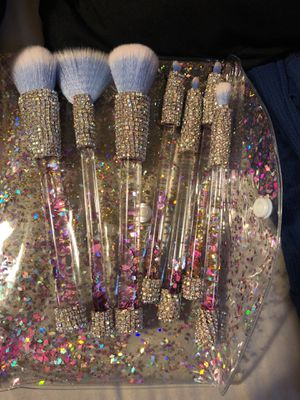 Handmade Bling Makeup Brushes BRAND NEW WATERFALL DESIGN !!!!! All 7 included for Sale in Parma, OH