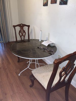 Glass table 20$ for Sale in Lakeland, FL