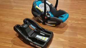 Graco click connect infant car seat for Sale in Toney, AL
