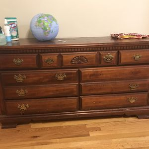 Drawer Dresser for Sale in New Haven, CT