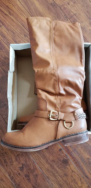 Brown and Black boots, both size 10 for Sale in Virginia Beach, VA