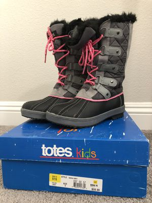 Kids snow boots for Sale in Nuevo, CA