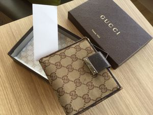 Original Gucci Men's Wallet. Look At Pictures! Used ! for Sale in West Palm Beach, FL