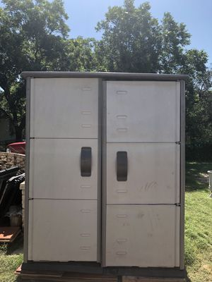Rubbermaid Outdoor Shed for Sale in San Antonio, TX