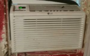 2 window ac great shape trade or cash for Sale in Orosi, CA