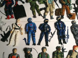 Looking for vintage 1964 to 1992 GI Joes by Hasbro g.i. Joe dolls and action figures accessories for Sale in Phoenix, AZ