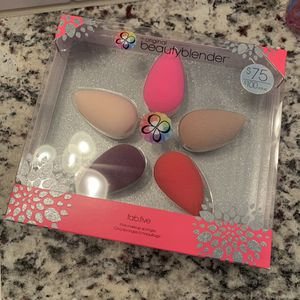 The original beautyblender for Sale in Puyallup, WA