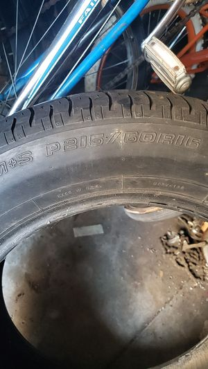 Tire p215/60R15 for Sale in Long Beach, CA