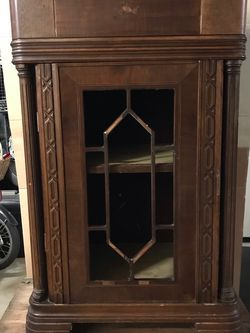 1920,1930 Antique cabinet for Sale in Garden City,  NY