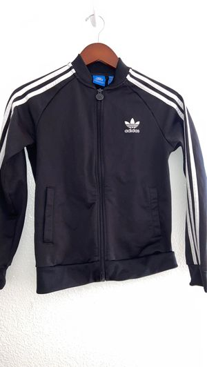 Adidas size M in youth for Sale in Richmond, CA