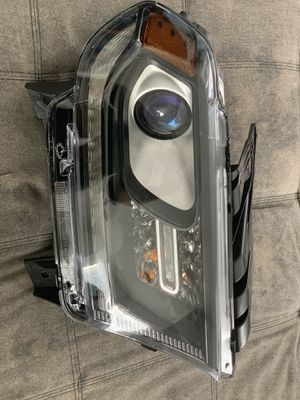 2016-2018 Dodge Durango front right headlight for Sale in Toms River, NJ