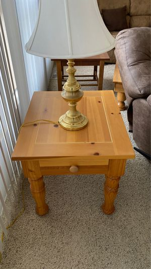 End tables with lamps for Sale in Hemet, CA
