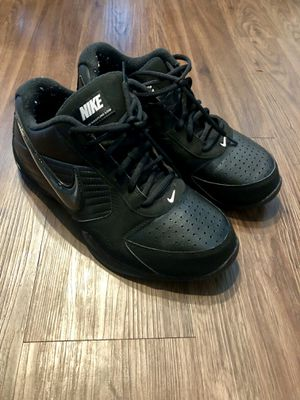 NIKE ATHLETIC BASKETBALL SHOES GREAT CONDITION SIZE 9 for Sale in Houston, TX