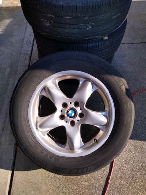 BMW X5 rims and tires for Sale in Tacoma, WA