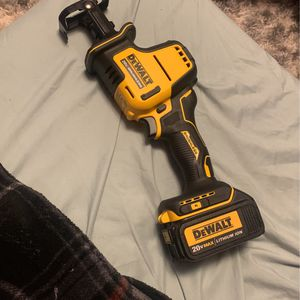 DEWALT 20V BRUSHLESS SAWZAW BRAND NEW COMES WITH ONE BATTERY for Sale in Brooklyn, NY