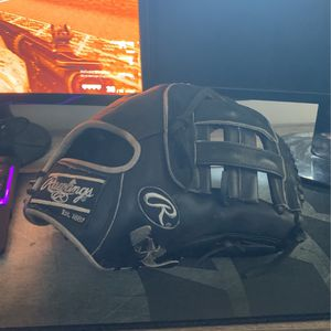 """Rawlings Heart Of The Hide 11.75"""" WingTip for Sale in Point Pleasant, NJ"""