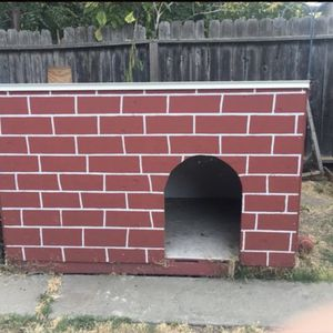 Dog House for Sale in Antioch, CA
