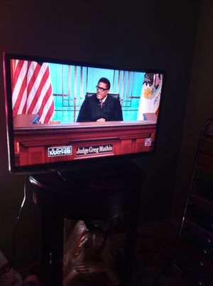 32in Samsung TV for Sale in Oklahoma City, OK