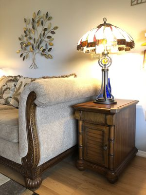 A pair of end tables by Rooms to go/Great condition! for Sale in Orlando, FL
