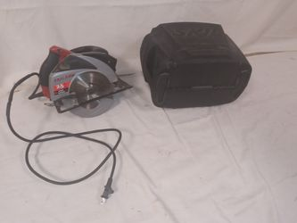 Skilsaw 7-1/4-in Circular Saw w/ Laser Guide & Case for Sale in Portsmouth,  VA