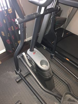Elliptical Machine Proform 475E for Sale in Owings Mills, MD