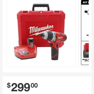 Milwaukee 1/4 Hex No Hub Driver Kit With 2 Batteries And Charger for Sale in Dallas, TX