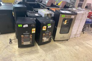 Smoker liquidation sale 🔥🔥🔥 X for Sale in West Covina, CA
