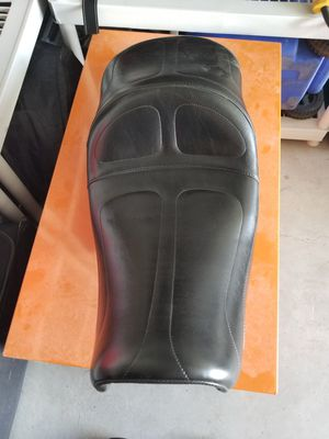 Brand new Le Para Maverick seat for Harley Dyna for Sale in San Angelo, TX