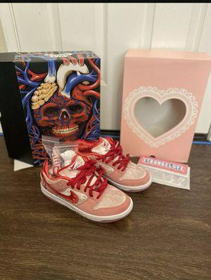 Nike sb strange love special box for Sale in Harvey, LA