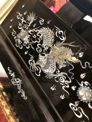BLACK LACQUER MOTHER OF PEARL ORIENTAL LIVING ROOM SET for Sale in Vancouver, WA