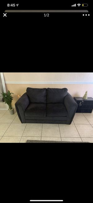 Sofa couch for Sale in Hialeah, FL