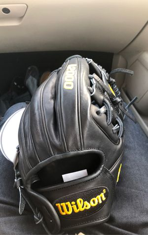 Wilson A2000 adult glove for Sale in Fresno, CA