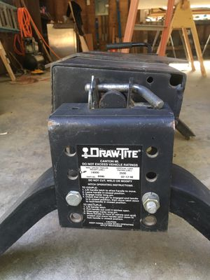 Draw tite 5th wheel hitch. No rails. $50 for Sale in Snohomish, WA