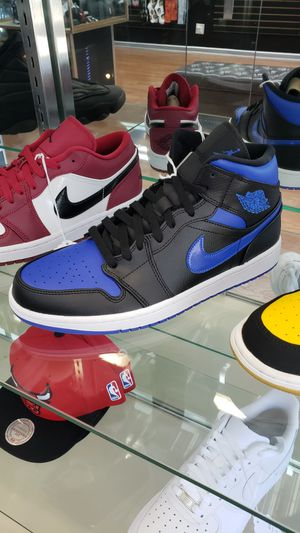 Jordan 1 mid Size 10 for Sale in Chicago, IL