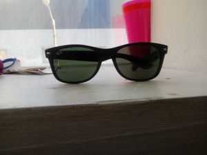Ray ban sunglasses for Sale in Miami, FL